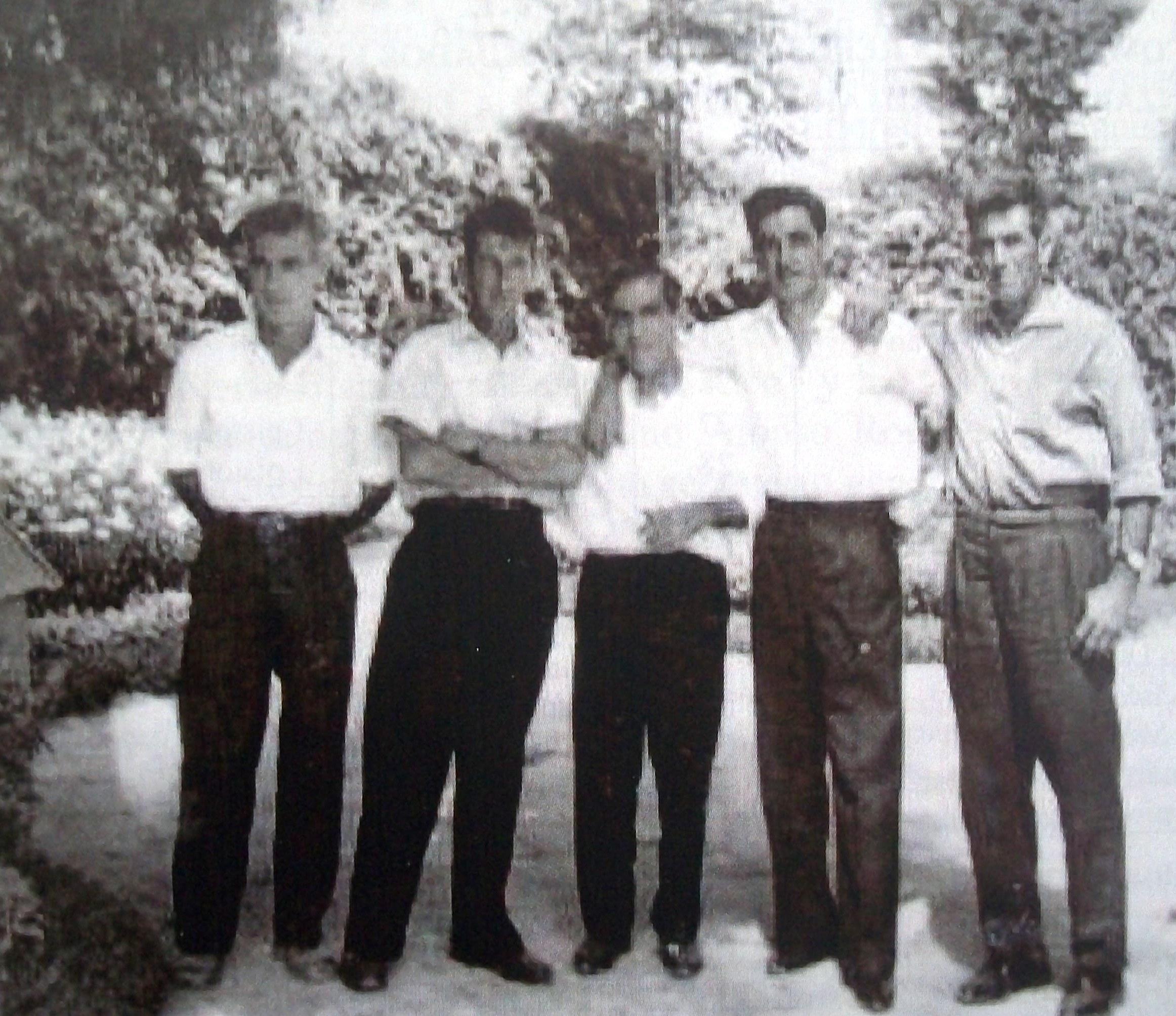 """""""Gorrión"""", Antonio Machuca, Antonio Toro y dos compañeros suyos ya en el exilio francés."""