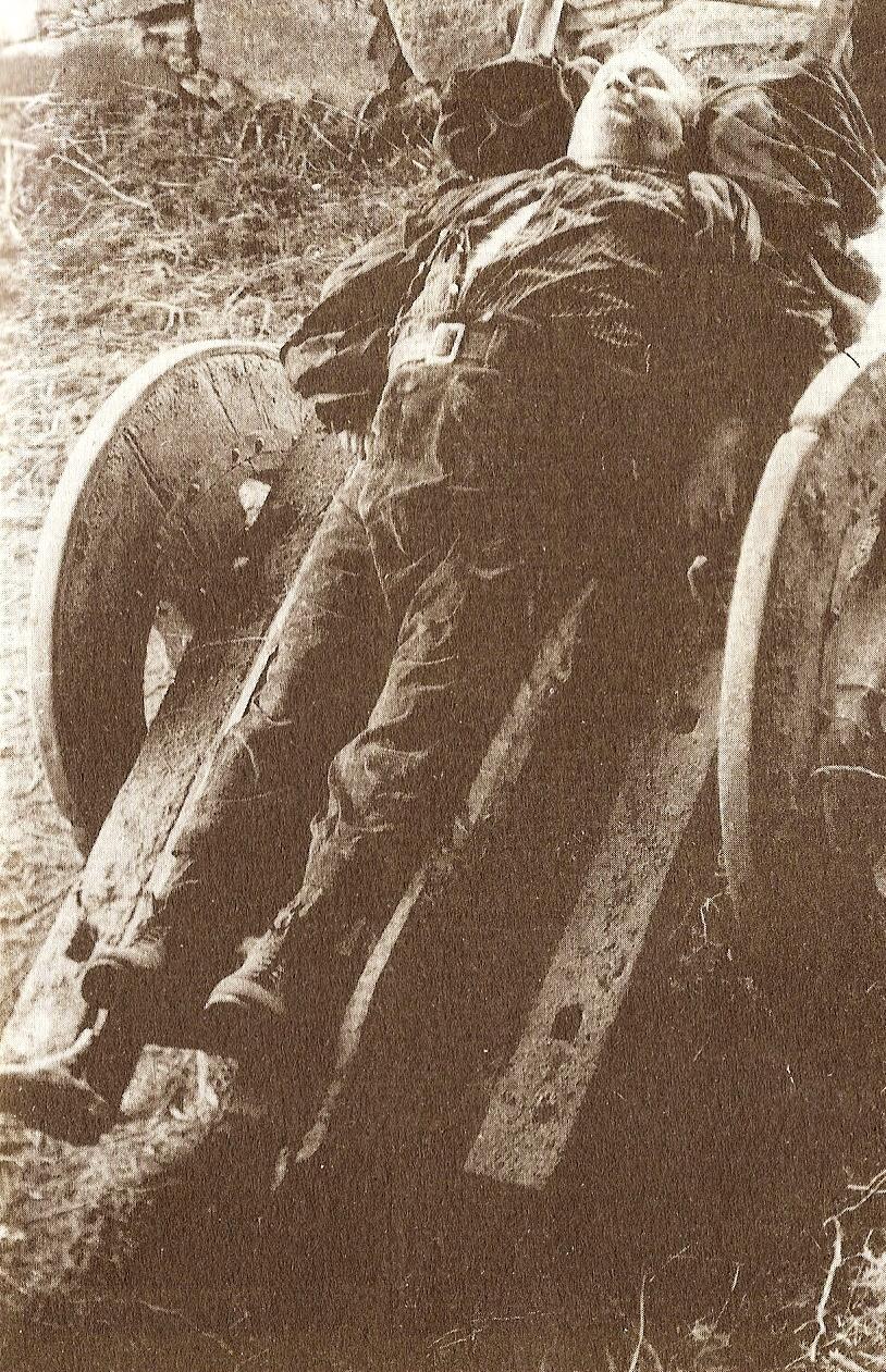 """Cadáver de Ramón Rodríguez Varela """"Curuxás"""", en 1967."""