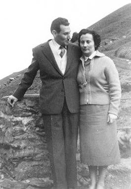 Joaquina con su compañero Liberto Sarrau.