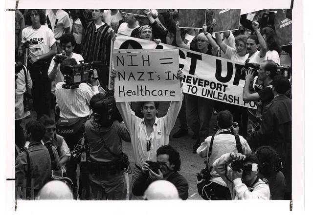 Thumbnail for Los activistas del VIH reivindican su propia memoria histórica