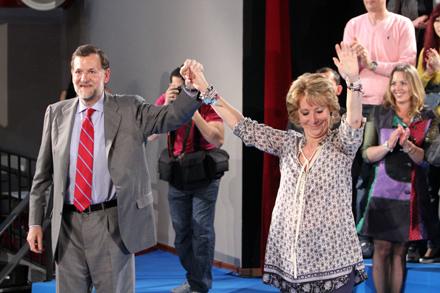 Aguirre y Rajoy. La presidenta de la Comunidad de Madrid ha privilegiado la gestión privada de los servicios públicos. Foto: David Fernández.