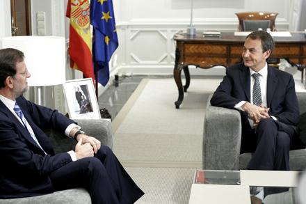 Pasado y Presente. Reunión entre José Luis Rodríguez Zapatero y Mariano Rajoy cuando el primero era presidente. Foto:Juan Carlos Rojas