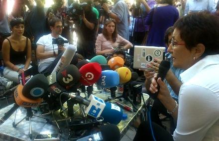 Una de las pequeñas inversoras que han denunciado a Bankia, en la rueda de prensa. / Foto: @15MPaRato.