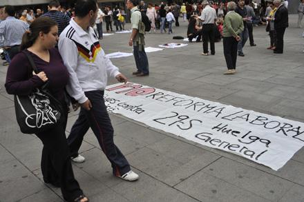 CALLAO, MADRID. Acción de apoyo a la huelga general en el centro de Madrid, organizada por Ecologistas en Acción el 20 de septiembre. Foto: Olmo Gonzalez.