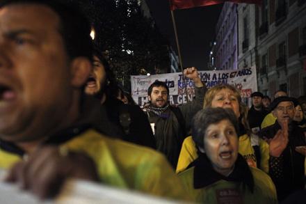 CLIMA DE HUELGA. En los últimos meses ha habido varias manifestaciones denunciando la precariedad laboral y anunciando la huelga. En la foto, manifestación el 25 de marzo en Madrid. Foto: Olmo Calvo.