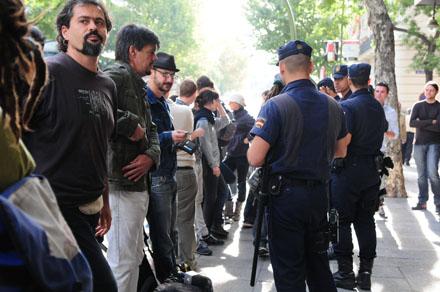 Concentración de apoyo frente a la Audiencia Nacional. Foto: Diego González.