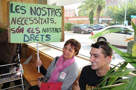 Protesta en un centro sanitario de Tarragona. Foto: Meloinvento