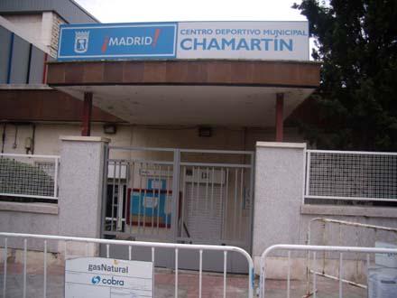 Entrada del polideportivo de Chamartín, Madrid. Foto: Max Asere