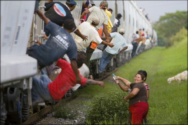 Las Patronas: 20 años de entrega a los migrantes