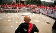 PROTESTA. Mítin de sindicatos ferroviarios en Nuevos Ministerios, Madrid. / Foto: David Fernández.