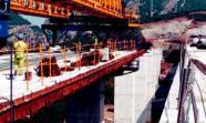 VIADUCTO. Carro de lanzamiento de dovelas. Viaducto de Despeñaperros (variante de Despeñaperros).