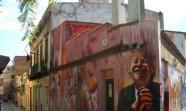 A CASA DAS VÍAS. O centro social contribúe a dar vida ao barrio de Sants.