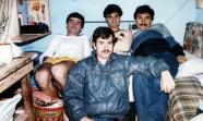 PRESOS POLÍTICOS. Jorge Martín (derecha) y Rafael Pascual Arias (delante) con otros presos políticos del FPMR.
