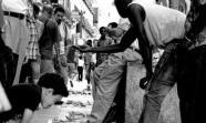 DESDE 2004. La venta en la calle de copias piratas no se considera una infracción a las ordenanzas municipales, sino un delito