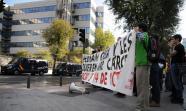 Concentración frente a los juzgados donde se celebraba la vista oral. Madrid, 3 de octubre de 2011. Foto: David Fernández.