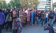 Un grupo de estudiantes porta libros a la manera de escudos. El llamado 'Äôbook bloc'Äô surgió durante las manifestaciones estudiantiles del otoño de 2010 en Italia. Foto: Pierre Rocke Castell