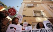 La acción ha sido preparada por la asamblea de Tetuán del movimiento 15M, Democracia Real Ya y la Paltaforma de Afectados por la Hipoteca.  Foto: David Fernández