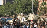 Los tanques permanecen en las calles de El Cairo. Foto: Marco Bistacchia.