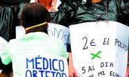 A FAVOR DEL ABORTO. Representación teatral realizada en Madrid criticando la objeción de conciencia de los médicos. Edu León