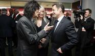 Sarkozy con el 'Äôrolling stone'Äô Ron Wood en 2008. Cabe preguntarse si en 2040 los sarkozys de turno se harán fotos con los raperos de las 'Äôbanlieus'Äô. Foto: Downing Street
